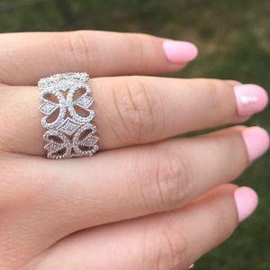 Jewelry - ❤️SALE❤️White Gold 1/2ct Diamond Filigree Ring 5.5